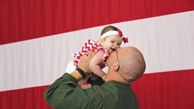 Dad Meets Daughter For First Time   Military Homecoming